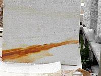 Pískovec obarvený